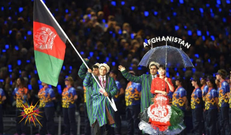Tokyo Volunteers Wave Afghanistan Flag at Paralympics as Their Athletes are Imprisoned