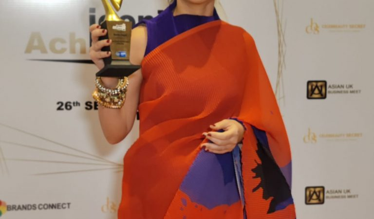 Rasika Dugal Received ' Most Versatile actor of the year ' – Iconic Achievers Awards !