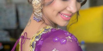 Style diva Pooja Banerjee looks like a sight to behold in purple